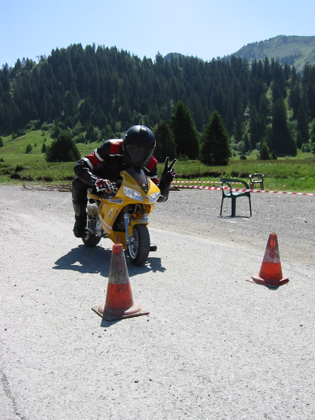 Photos de rallye de motards adultes